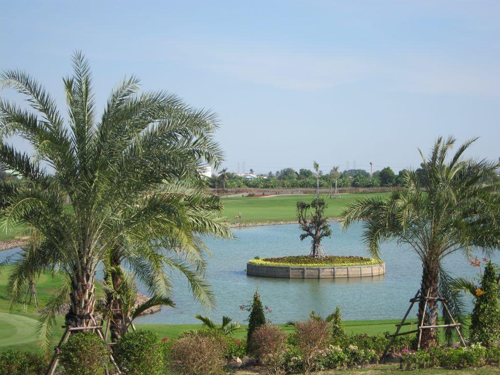 Royal Gems Golf City, Bangkok